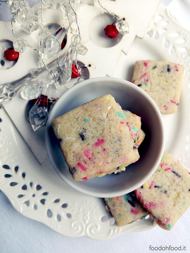 Cardamom Christmas cookie bites