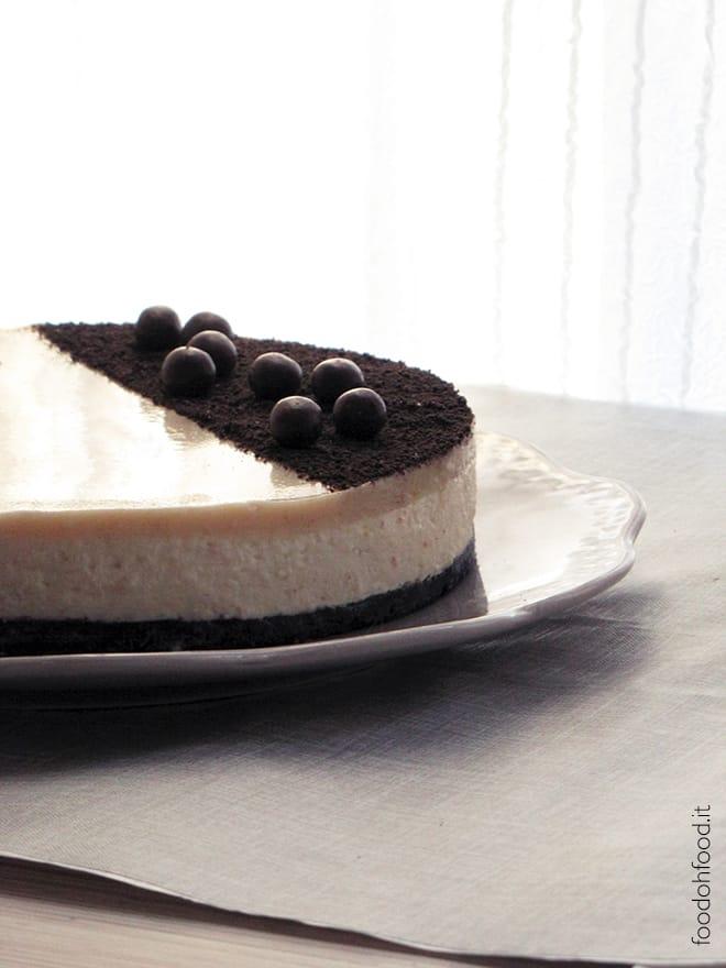 Cremosa cheesecake senza cottura con burro d'arachidi