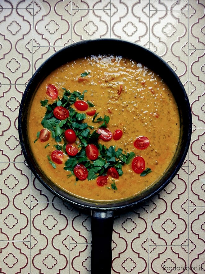 Curry with lentils and coconut milk