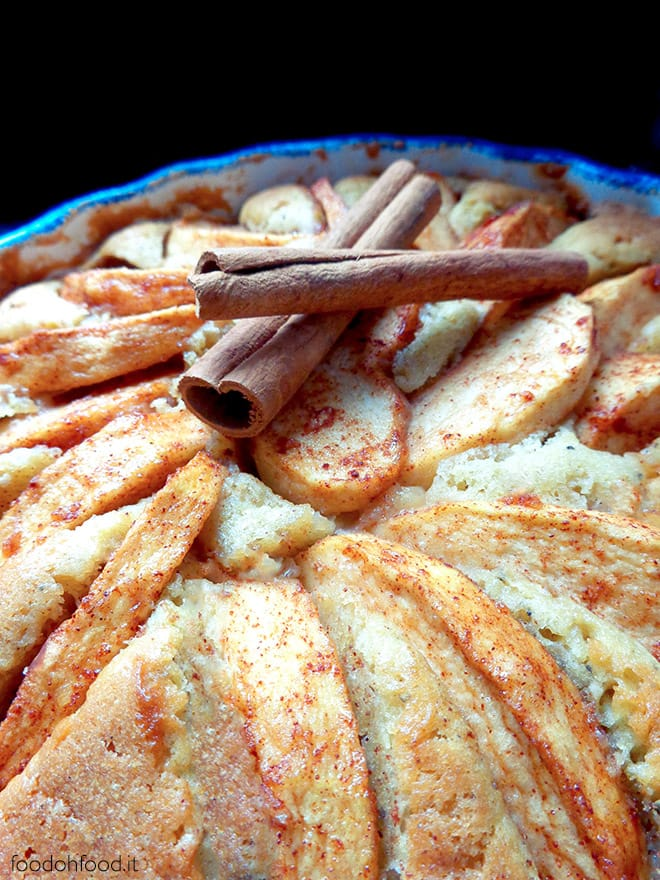 Fyriskaka – Swedish cinnamon cake with apples