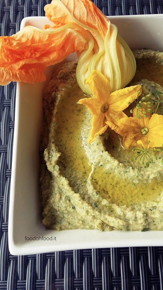 Hummus di ceci con zucchine grigliate
