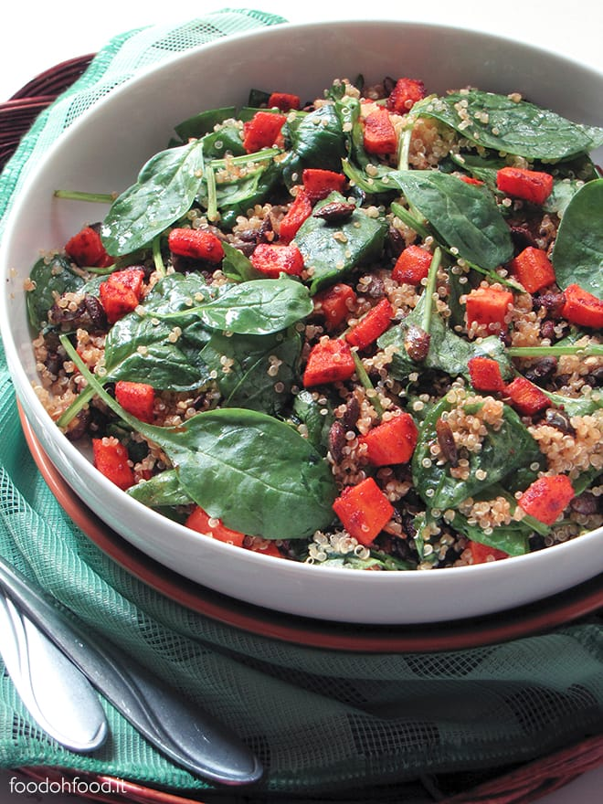 Baby spinach and quinoa salad with spicy pumpkin seeds