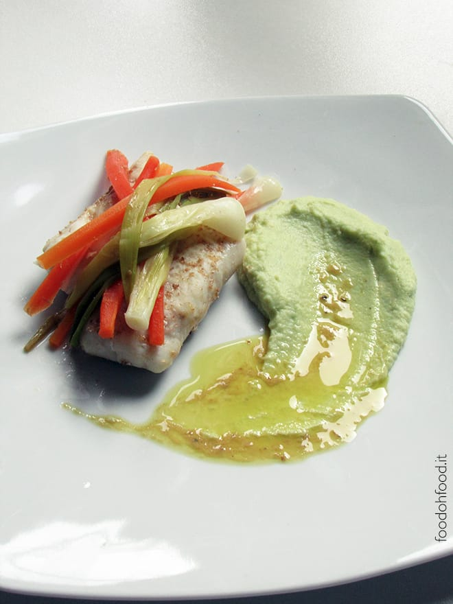 Steamed cod with romanesco broccoli puree and olive oil sauce