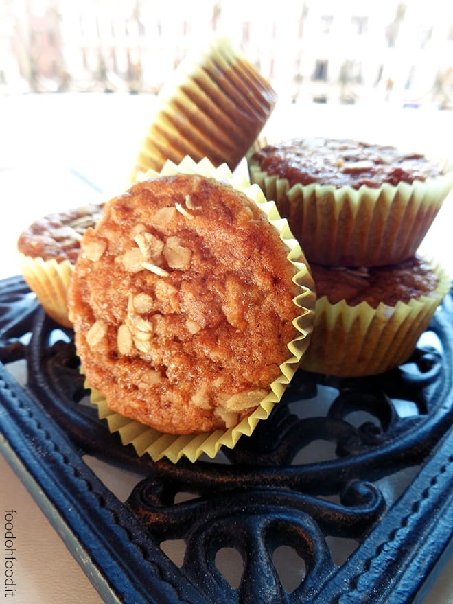 Healthy banana and oats muffins
