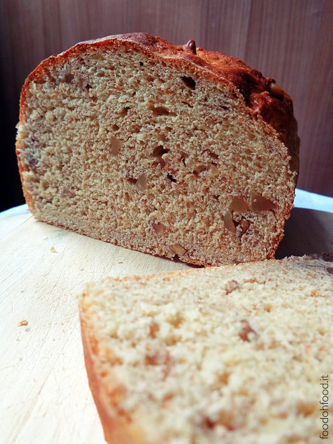 Soft bread with evaporated milk and nuts