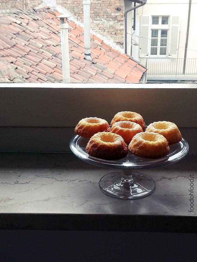 Piccoli ciambelloni all'arancia