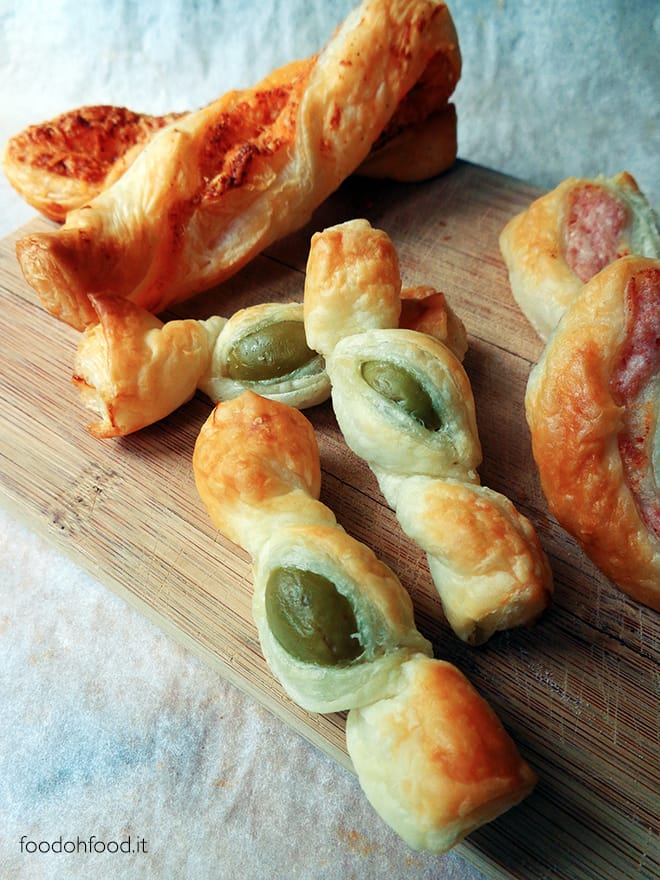 Puff pastry candies with olives