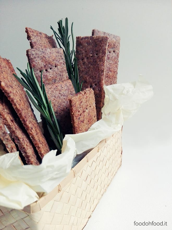 Buckwheat, almonds and rosemary homemade crackers