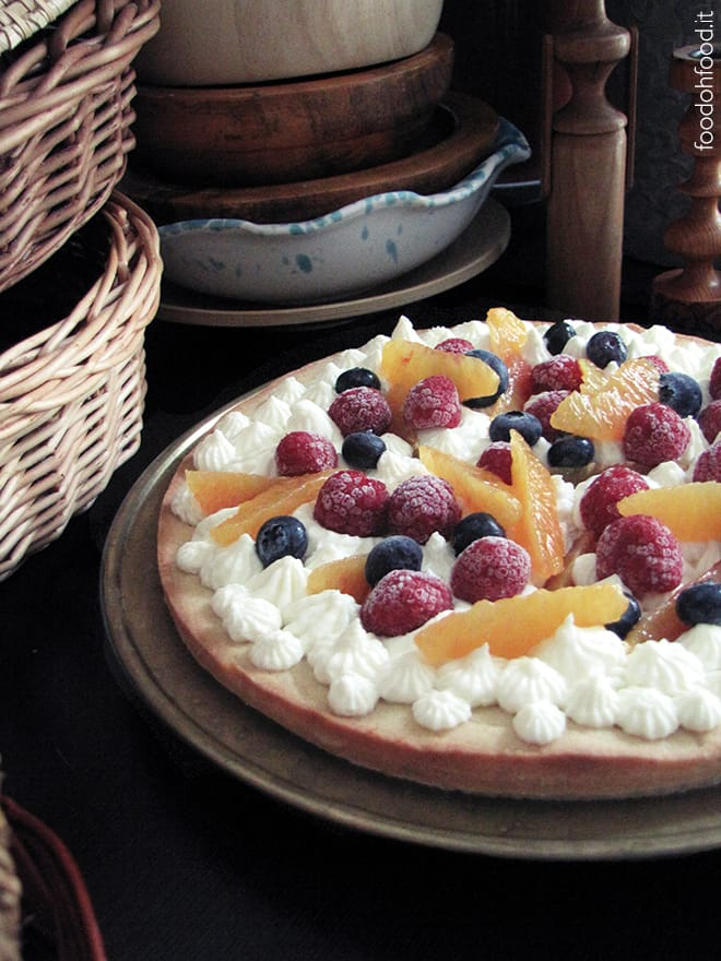 Creamy lemon namelaka tart with fresh fruit