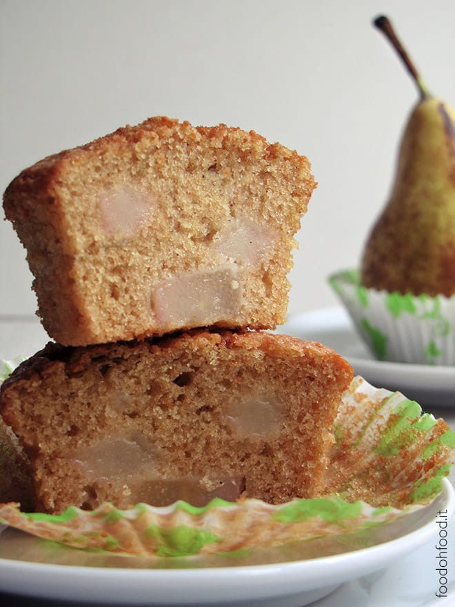 Super soft muffins with pears