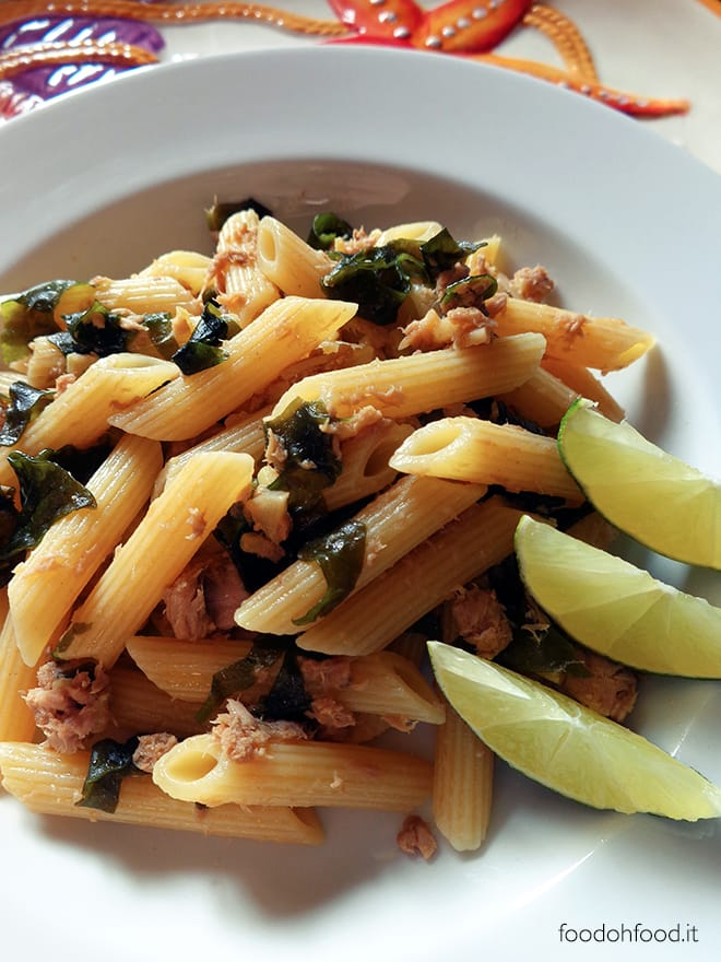 Pasta with wakame, fresh ginger and tuna