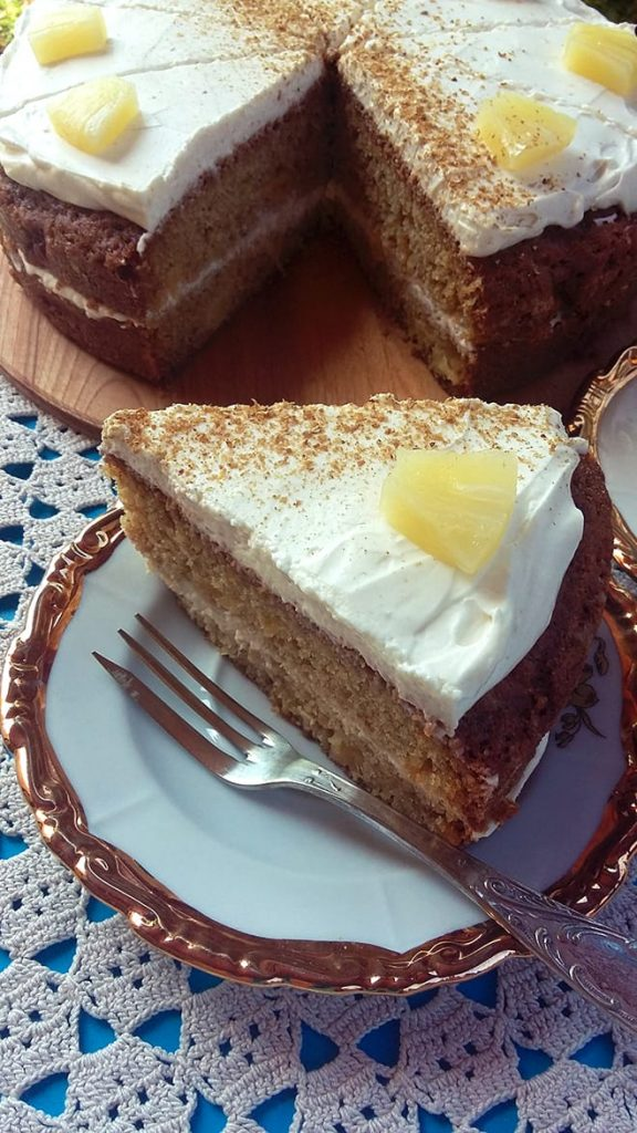 Coriander and pineapple cake