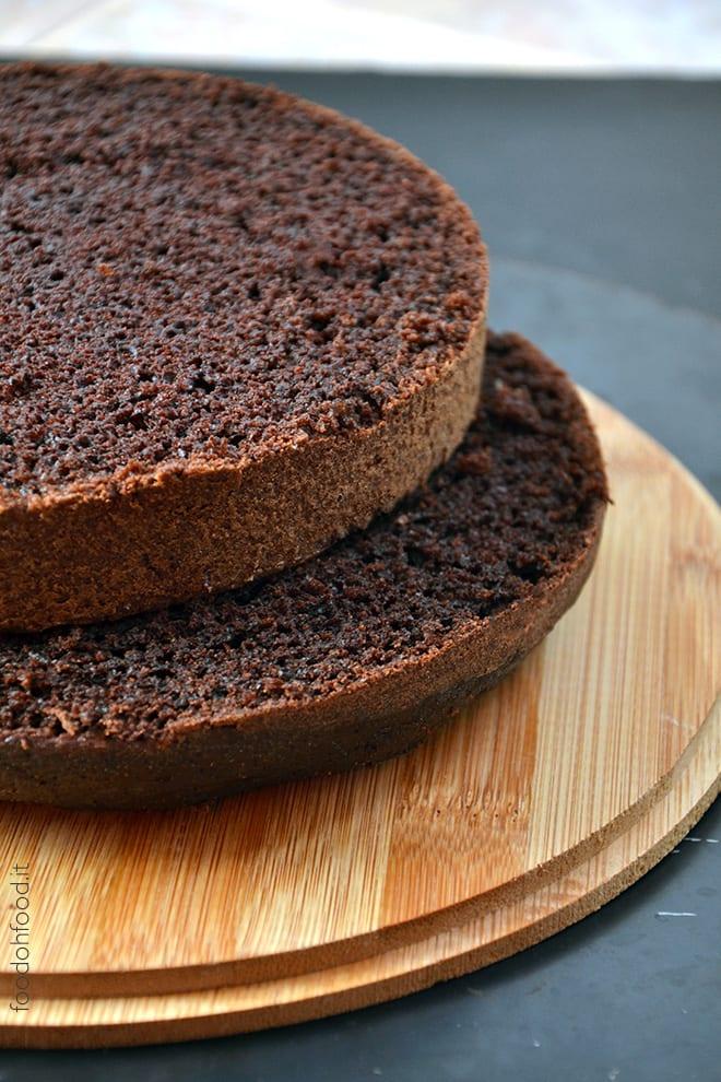 Torta base al cioccolato e acqua bollente