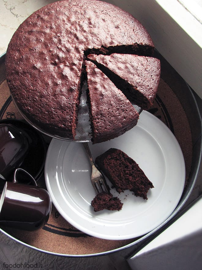Chocolate and olive oil cake with orange marmalade