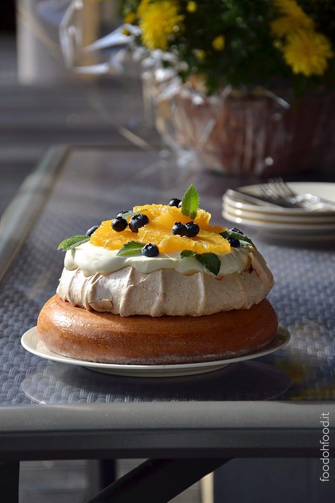 Molly e Pavlova cake con Camy cream e frutta