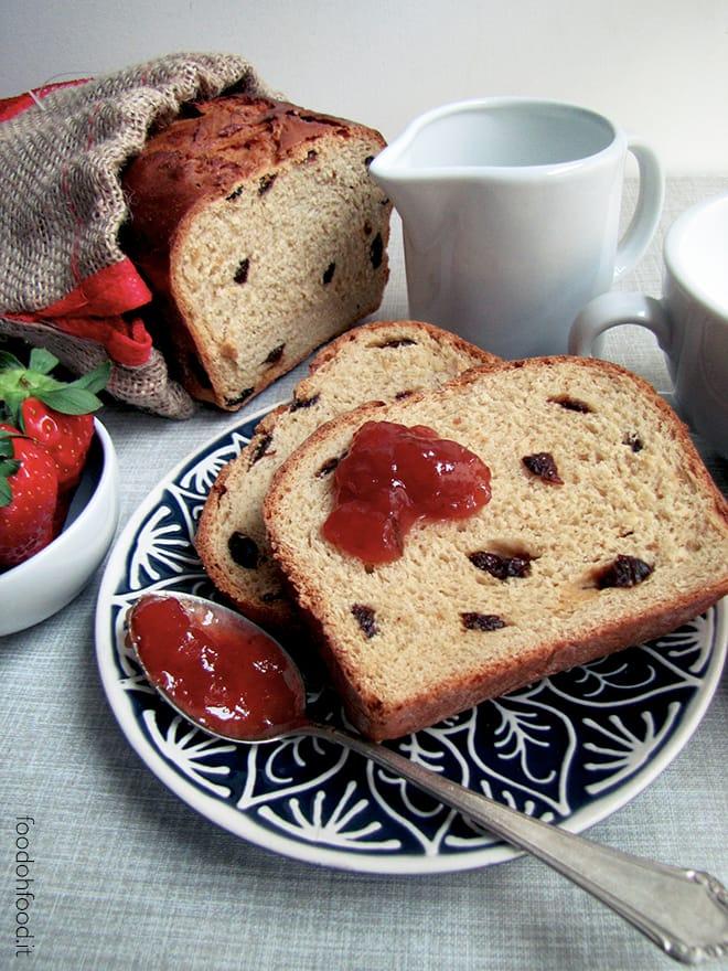 Sweet bread with cardamom and barley malt syrup
