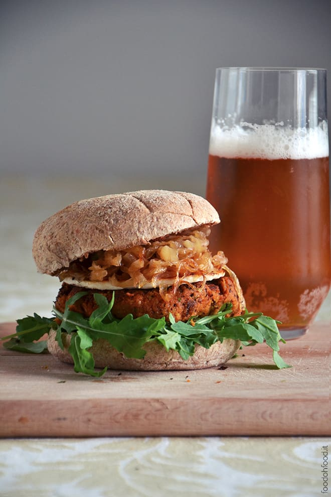 Chickpea and zucchini veggie burger