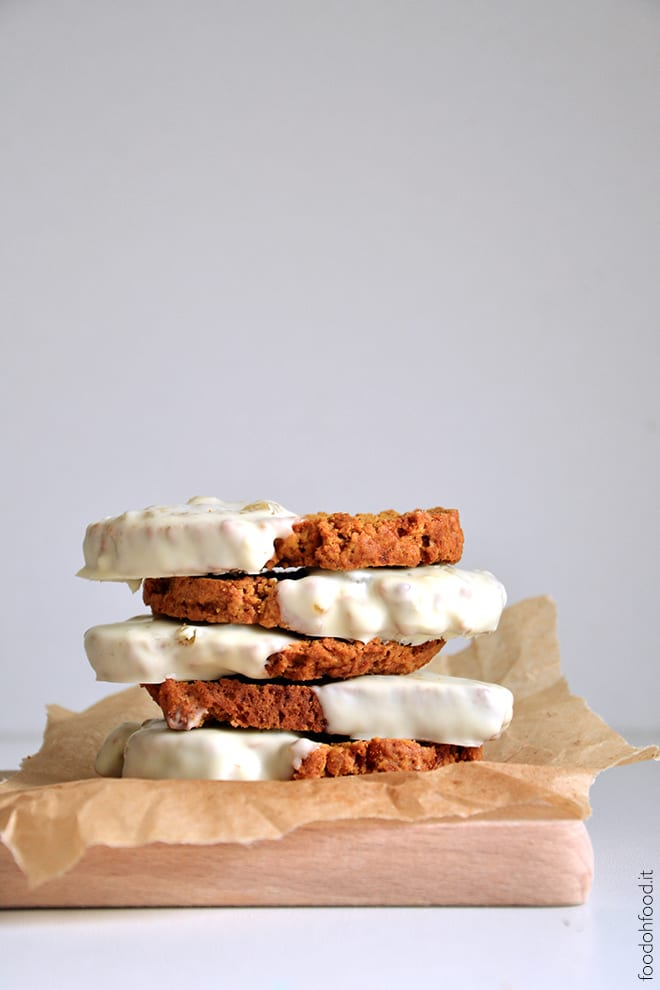 Pumpkin biscotti with marmalade and chocolate