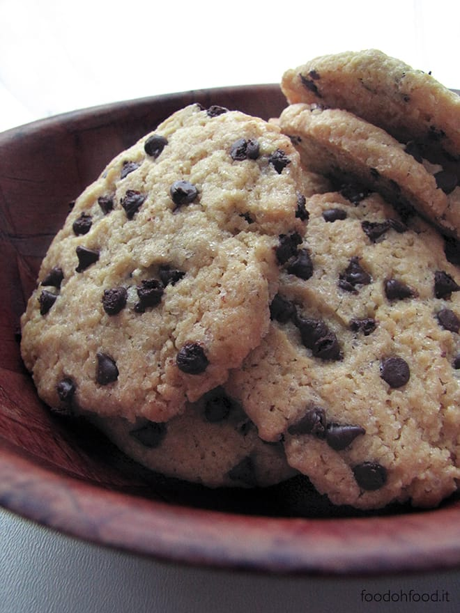 Chocolate chips cookies con farina di ceci