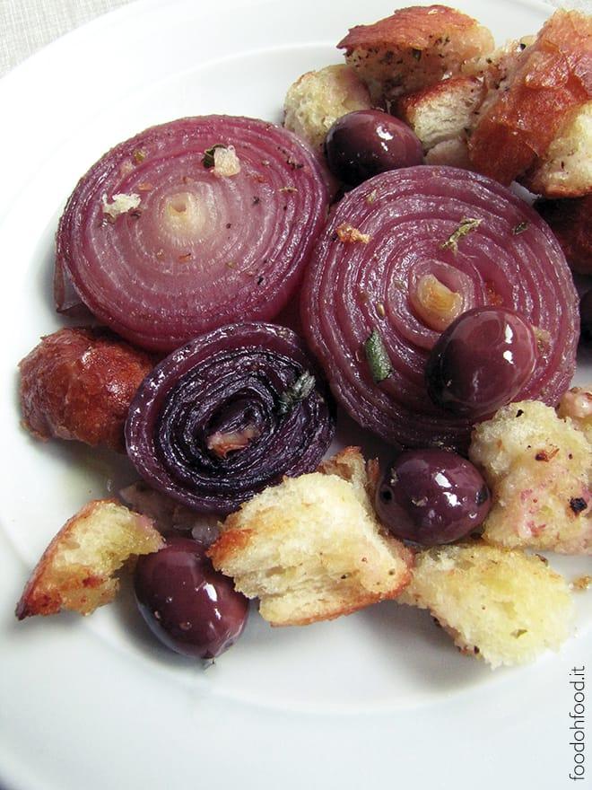 Cipolle rosse al forno con le olive di Gaeta