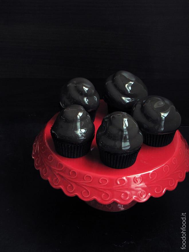 Crimson Peak cupcakes