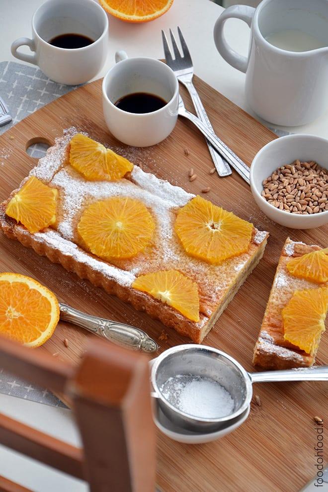 Crostata con crema di mascarpone, farro e fiori d'arancio