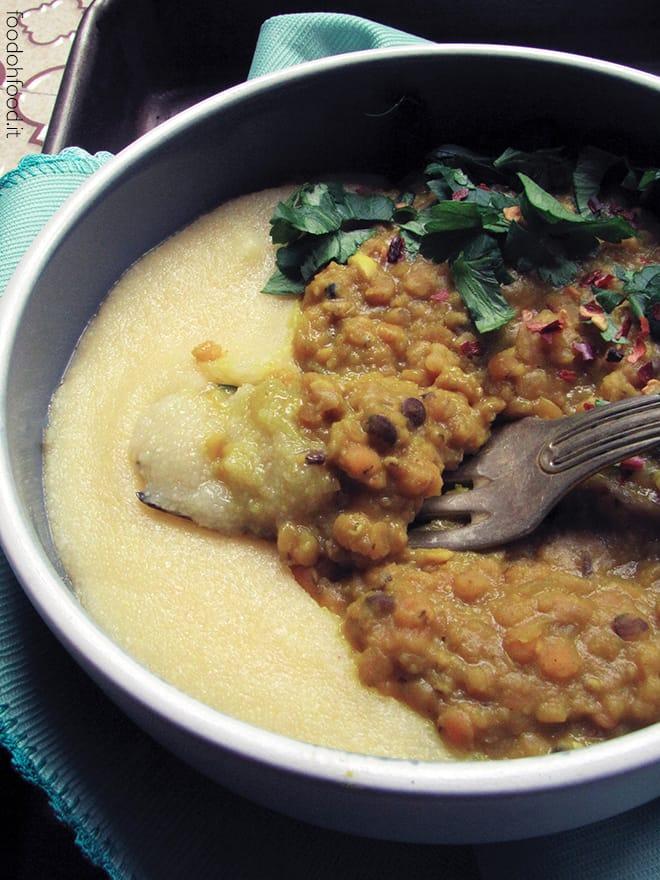 Curry di lenticchie rosse con curcuma e latte di cocco