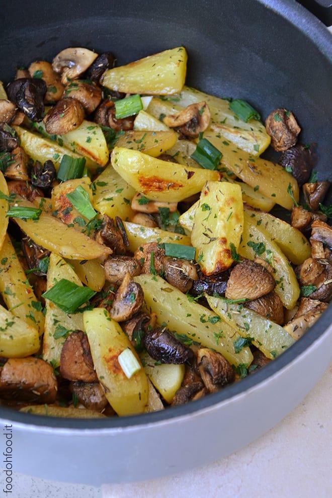 Patate e funghi al forno con salsa di soia