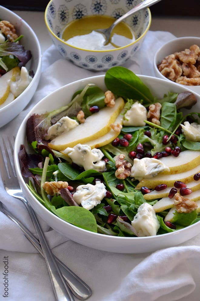 Winter salad with pears, walnuts and gorgonzola cheese