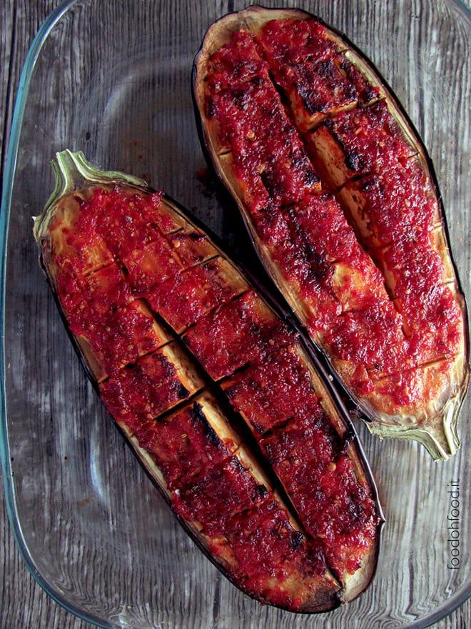 Melanzane grigliate al forno con harissa e miele