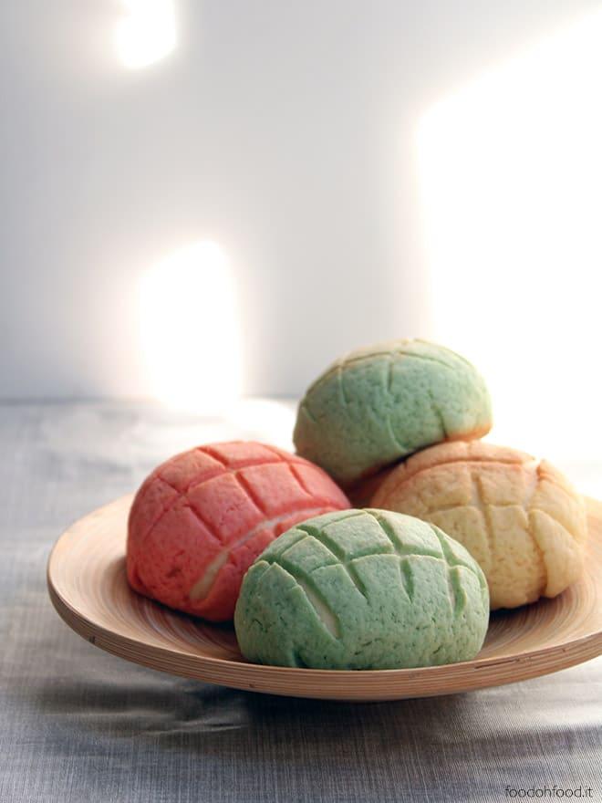 Melon pan - panini dolci giapponesi ricoperti di frolla