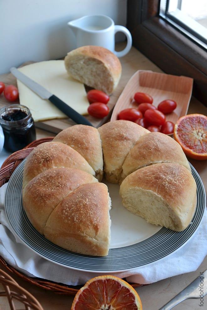 Mascarpone cheese breakfast rolls