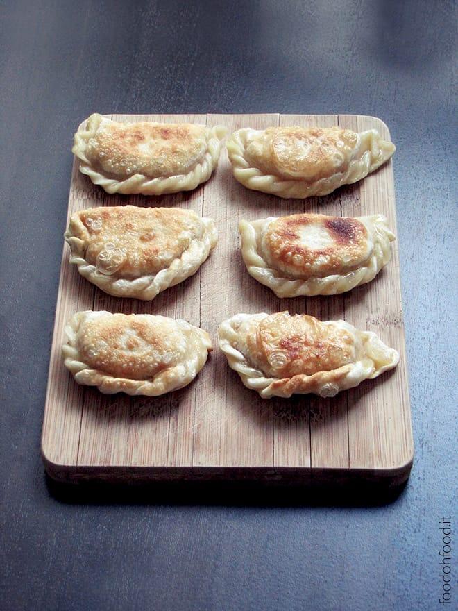 Ravioli polacchi con grano saraceno e crauti