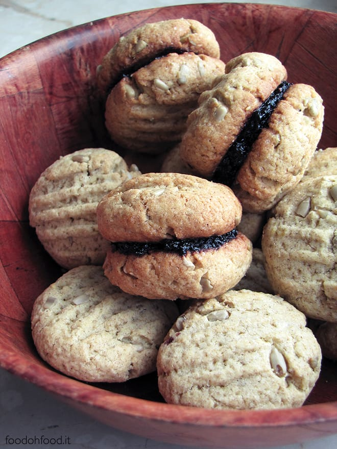 Cookies with rye flour, sunflower seeds and mulberry marmalade