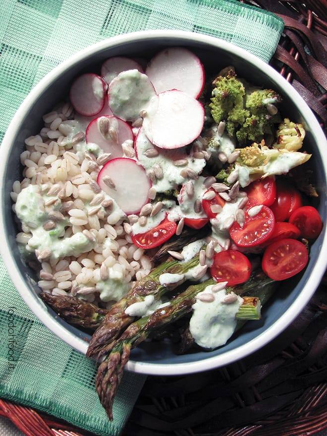 Buddha Bowl with pearl barley and grilled asparagus