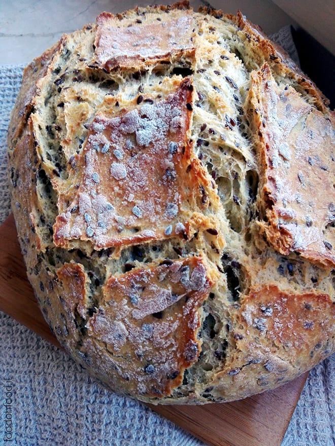 No Knead Bread – baked in glass casserole
