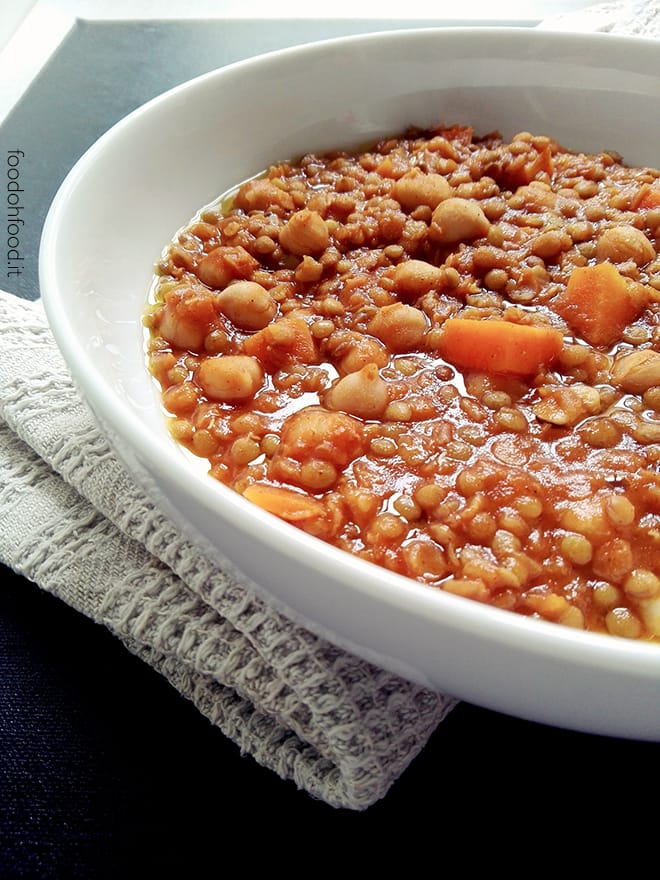 Spiced Maroccan stew with chickpeas and lentils