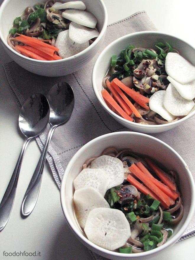 Zuppa miso con pasta integrale di farro