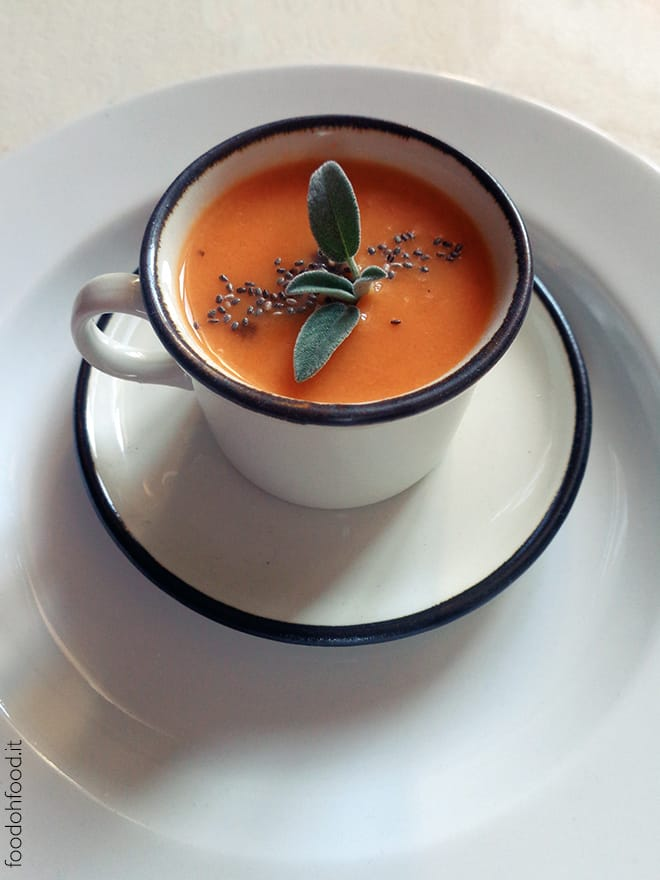 Easy and delicious tomato soup