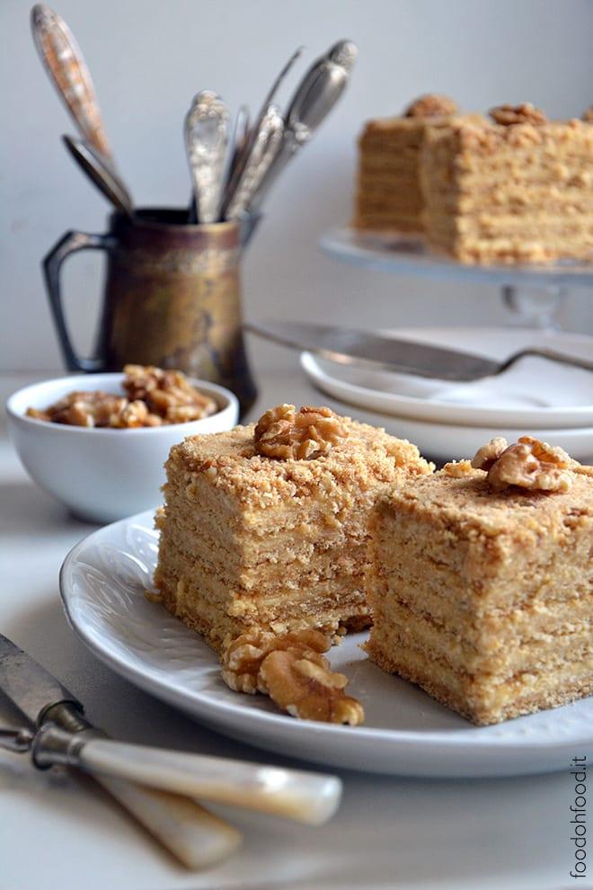 Torta Marlenka - torta con caramello e crema che si scoglie in bocca