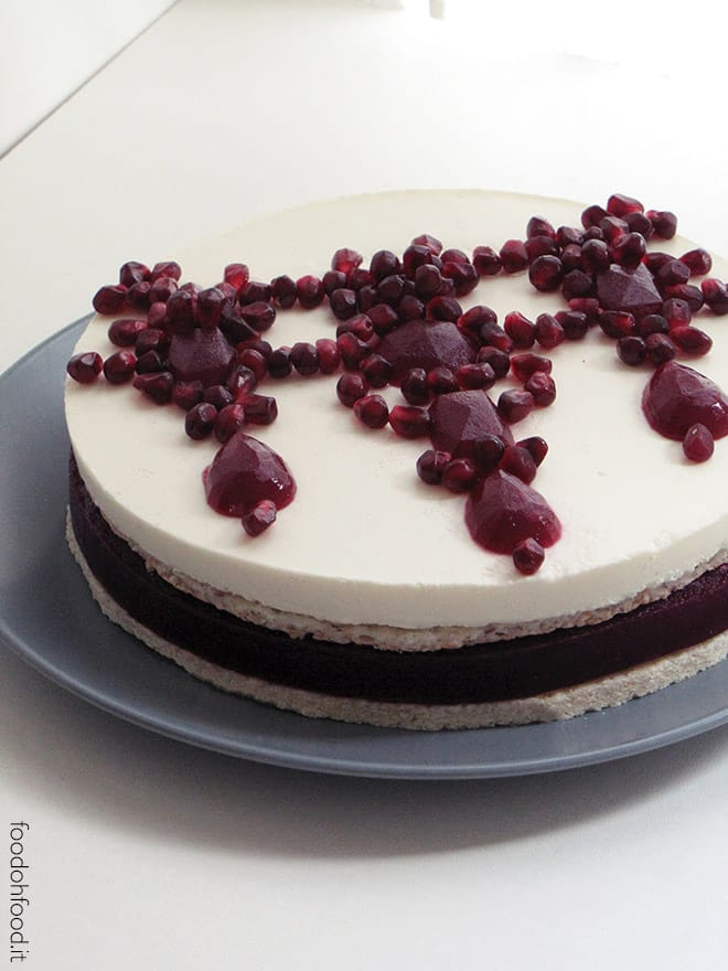 Ruby cake – pomegranate and coconut cake