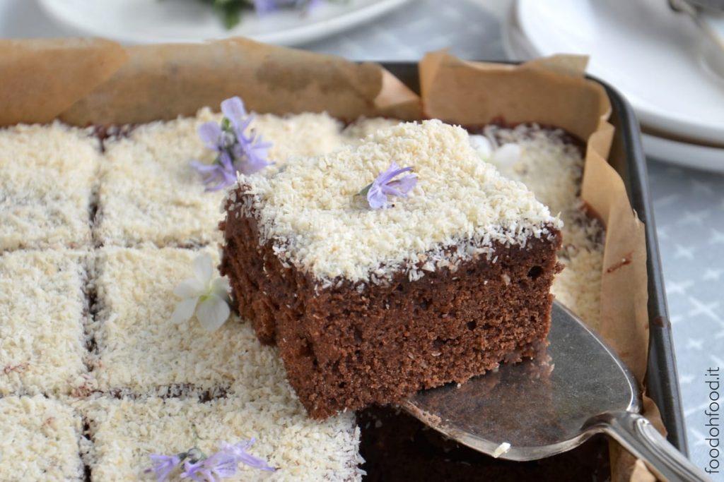 Torta cocco e cioccolato morbida e semplice