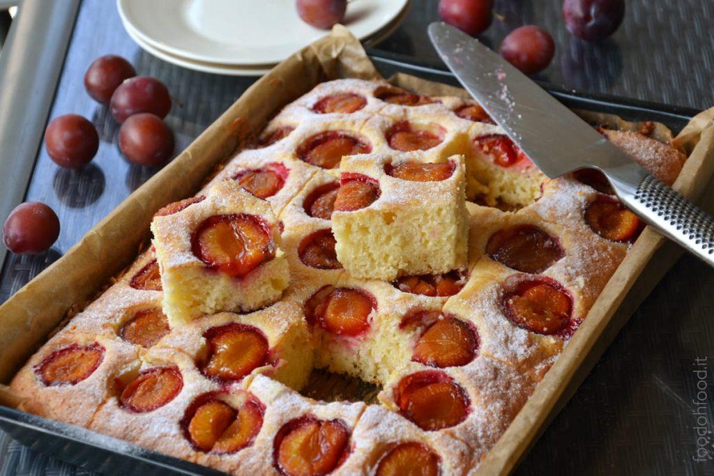 Easy and soft fresh plum cake